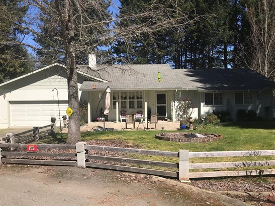 500 Sherwood Ave , Cave Junction, OR - USA (photo 1)