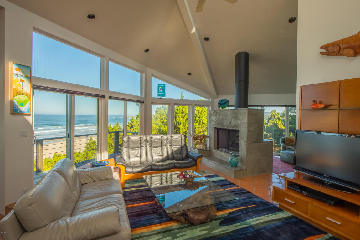 2545 Nw Pacific St , Newport, OR - USA (photo 3)