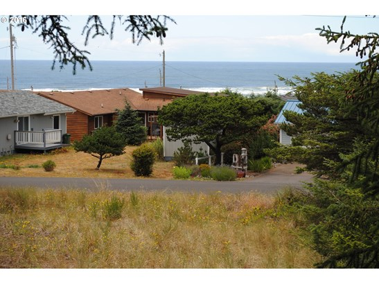 2509 Nw Parker Ave , Waldport, OR - USA (photo 1)