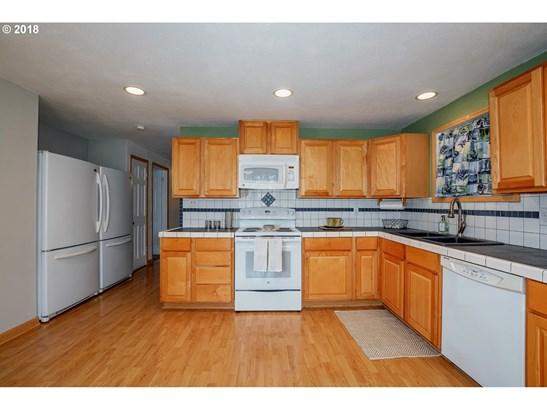 1203 N 1st Ave , Kelso, WA - USA (photo 5)
