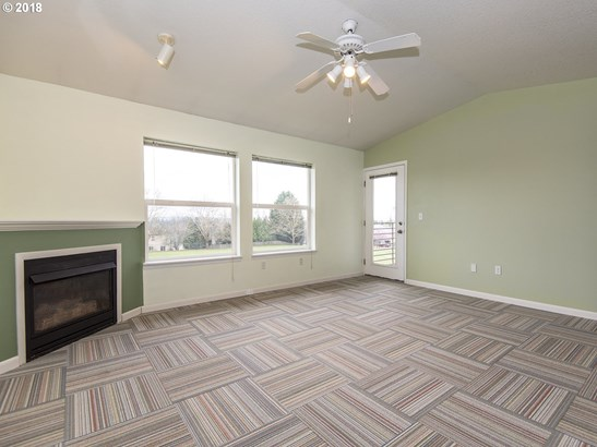 15072 Nw Central Dr  402, Portland, OR - USA (photo 3)