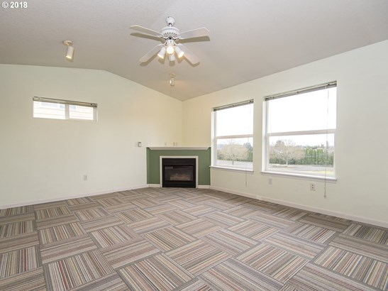 15072 Nw Central Dr  402, Portland, OR - USA (photo 4)