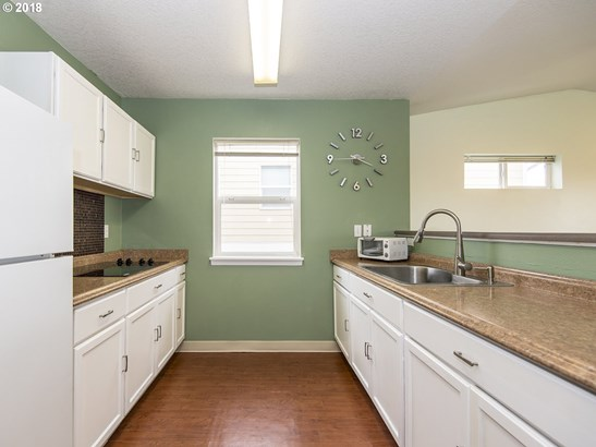15072 Nw Central Dr  402, Portland, OR - USA (photo 5)