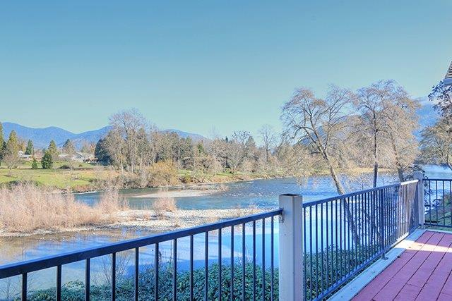 910 Mystic Dr , Grants Pass, OR - USA (photo 2)