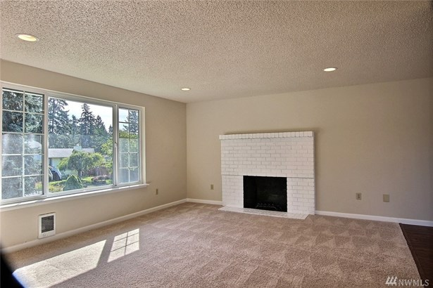 817 Glen Oaks Dr E , Spanaway, WA - USA (photo 2)