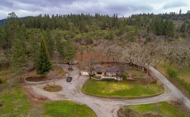 5215 Dark Hollow Rd , Medford, OR - USA (photo 2)