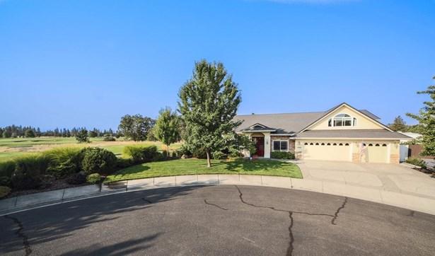 1085 Oak Grove Ct , Eagle Point, OR - USA (photo 1)