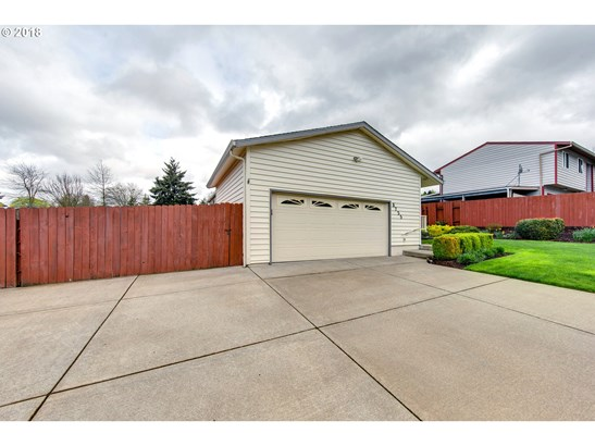 8755 Se Marcus St , Happy Valley, OR - USA (photo 5)