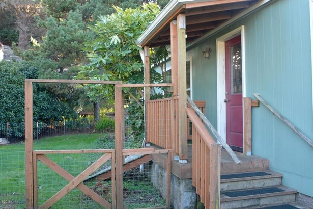 5431 Nw Rhododendron St , Newport, OR - USA (photo 3)