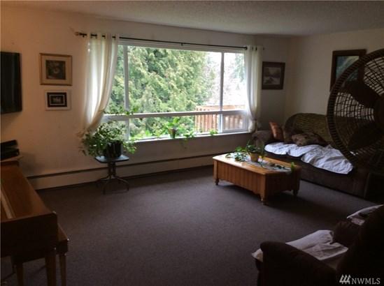 R0301 Undisclosed , Everett, WA - USA (photo 3)