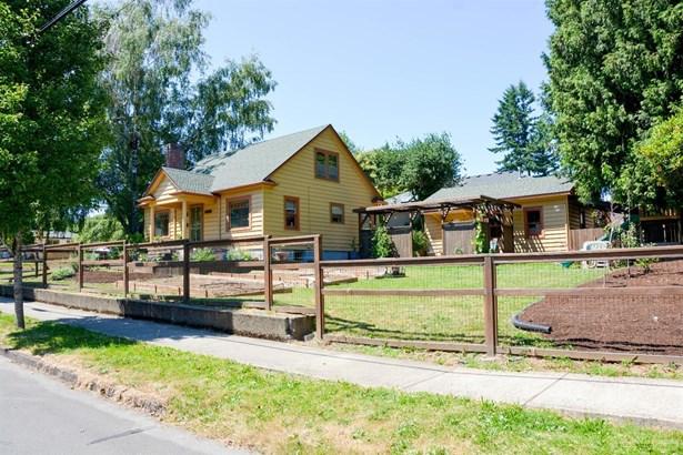 1229 Northwest 1st , Gresham, OR - USA (photo 2)