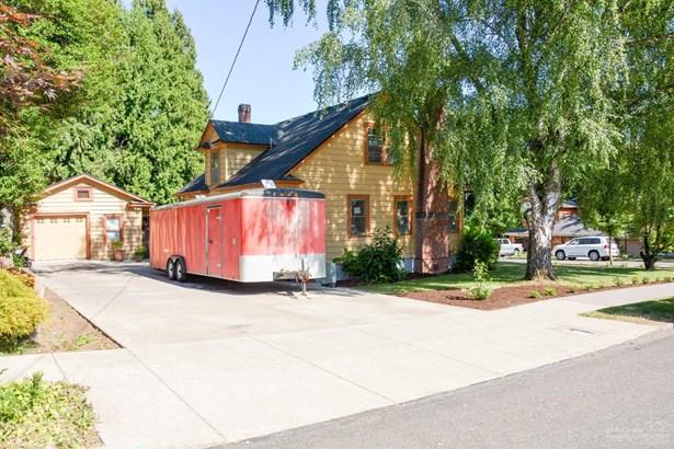 1229 Northwest 1st , Gresham, OR - USA (photo 3)