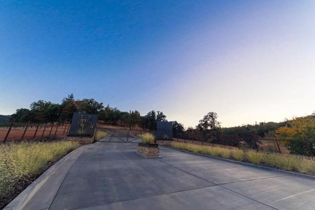 0 Vineyard View Cir , Medford, OR - USA (photo 2)