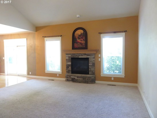 2699 Valley Forge Dr , Eugene, OR - USA (photo 5)