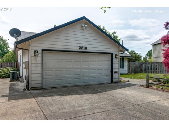 2816 12th Ave , Forest Grove, OR - USA (photo 3)