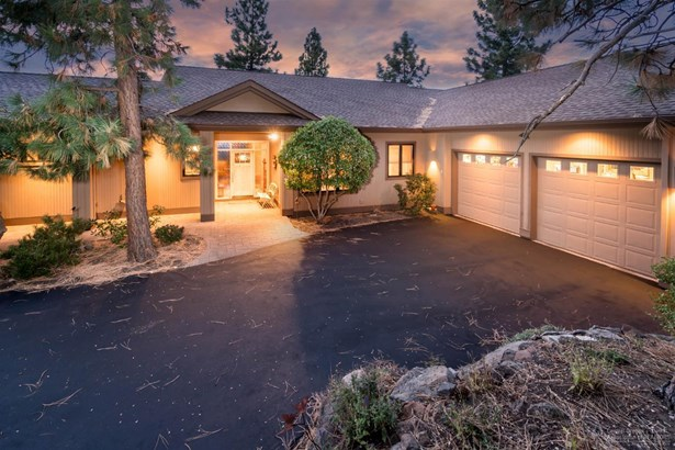 1607 Northwest Overlook Dr , Bend, OR - USA (photo 1)