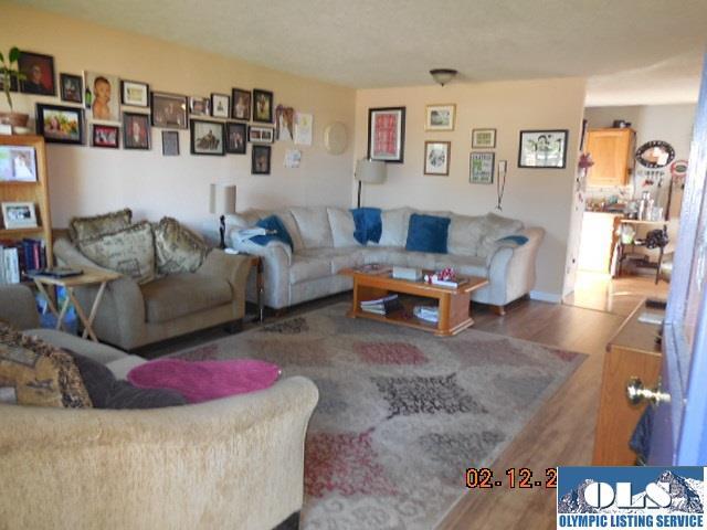 1332 W 11th St , Port Angeles, WA - USA (photo 3)