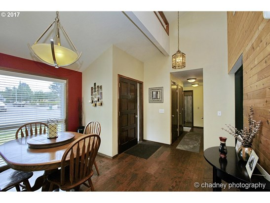 1353 Sw Mcginnis Ave , Troutdale, OR - USA (photo 5)