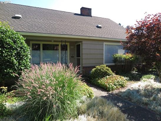 5004 Se Raymond St , Portland, OR - USA (photo 2)