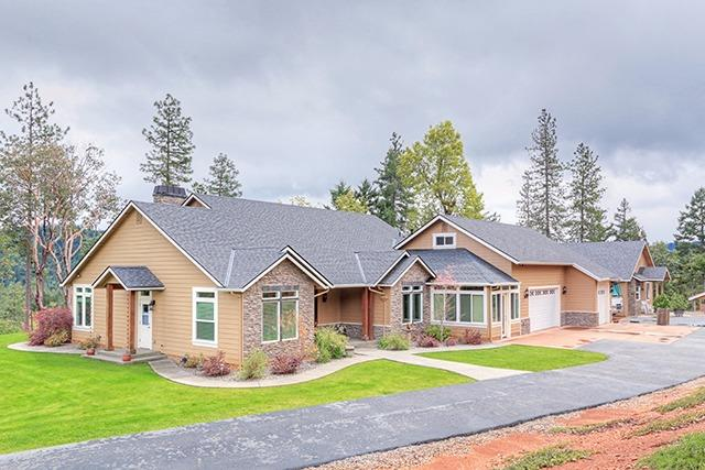 373 Rocking Horse Dr , Grants Pass, OR - USA (photo 1)