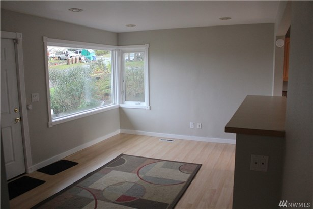 2032 E Morton St , Tacoma, WA - USA (photo 2)