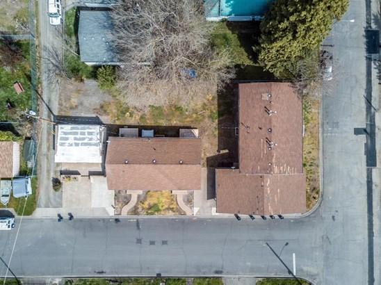 1001 Niantic St , Medford, OR - USA (photo 2)