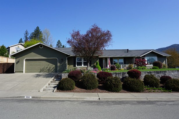 906 Nw Regent Dr , Grants Pass, OR - USA (photo 1)