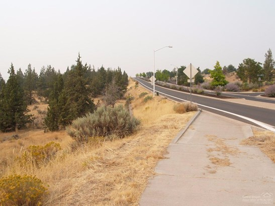 893 Southeast E St , Madras, OR - USA (photo 3)