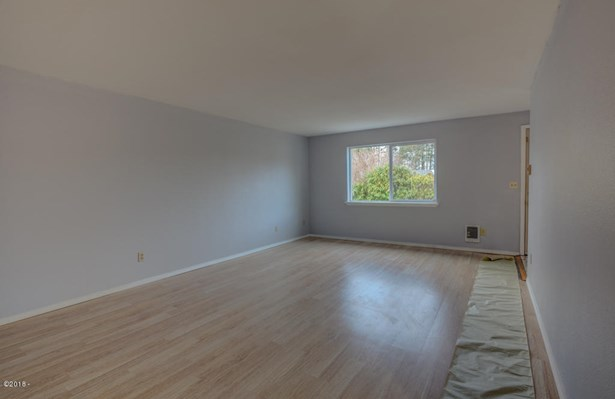 141 Nw 58th St , Newport, OR - USA (photo 2)