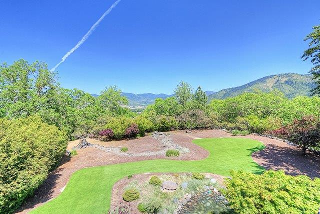 575 Sky Crest Dr , Grants Pass, OR - USA (photo 3)