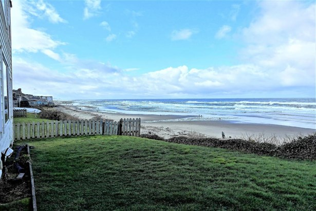 3549 Nw Jetty Ave , Lincoln City, OR - USA (photo 2)