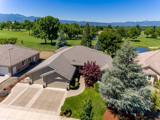 604 Seventh Fairway Dr , Medford, OR - USA (photo 3)