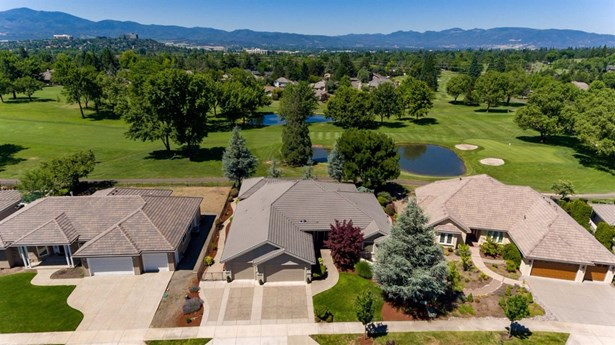 604 Seventh Fairway Dr , Medford, OR - USA (photo 4)