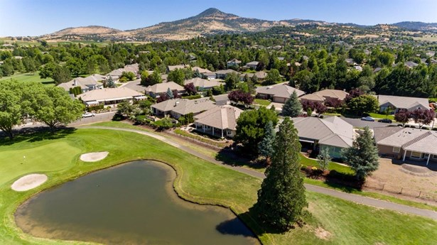 604 Seventh Fairway Dr , Medford, OR - USA (photo 5)