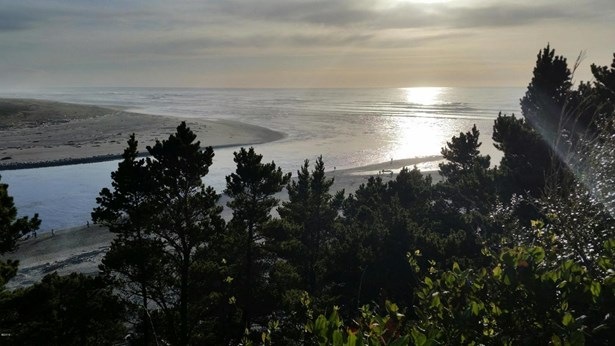 Lot 3 Sw Beach Ave St , Lincoln City, OR - USA (photo 1)