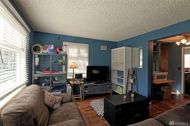 8415 16th Ave Sw , Seattle, WA - USA (photo 2)