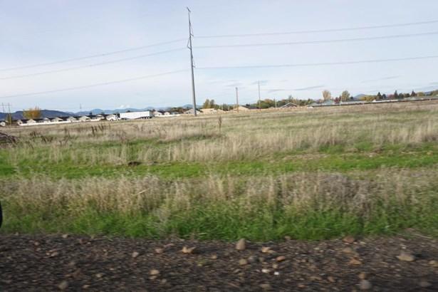 2615 Merry Ln , White City, OR - USA (photo 5)