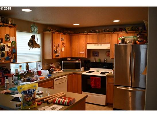 705 Ella Ct , Newberg, OR - USA (photo 2)