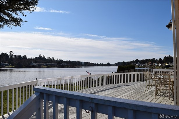 440 Lake West Lp Ne , Ocean Shores, WA - USA (photo 1)