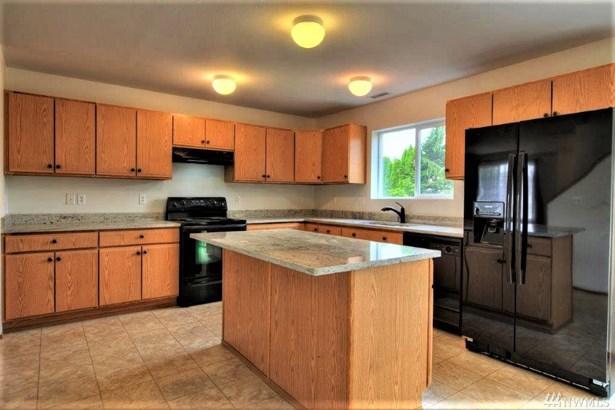 17008 Se 183rd Place , Renton, WA - USA (photo 3)