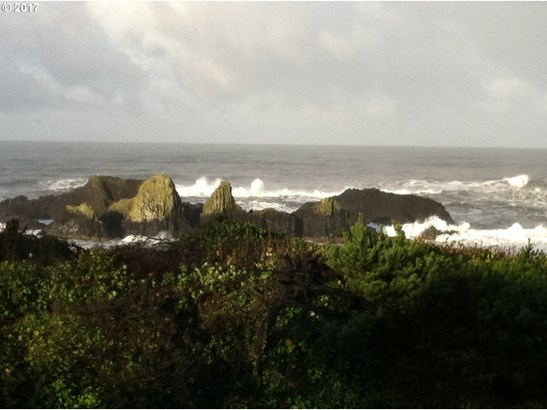 1244 Cross St  42, Seal Rock, OR - USA (photo 4)