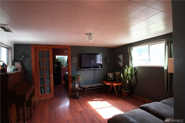 213 W Washington Ave , Roslyn, WA - USA (photo 2)