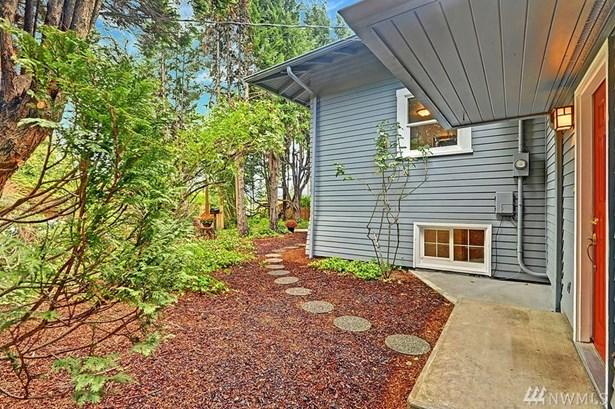 5205 S Willow St , Seattle, WA - USA (photo 3)