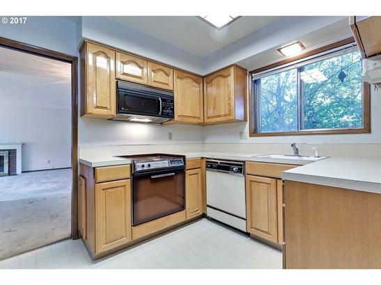 11790 Sw Blakeney St , Beaverton, OR - USA (photo 3)