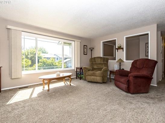 3863 Ne Rene Ave , Gresham, OR - USA (photo 5)