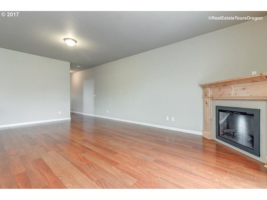 2555 Juniper St , Forest Grove, OR - USA (photo 4)
