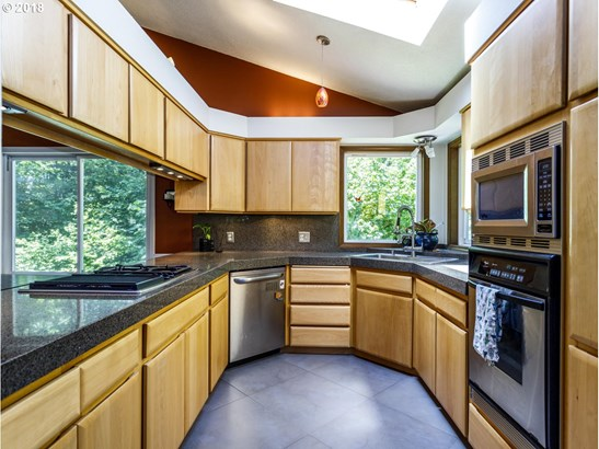 14150 Sw Fern St , Tigard, OR - USA (photo 4)