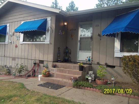 1331 N 5th Ave , Gold Hill, OR - USA (photo 2)