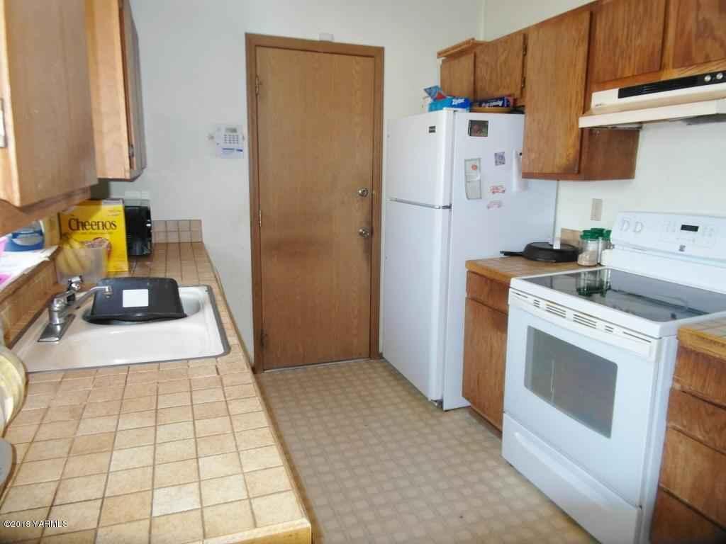 405 N 37th St , Yakima, WA - USA (photo 3)
