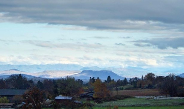6875 Pioneer Rd , Medford, OR - USA (photo 2)